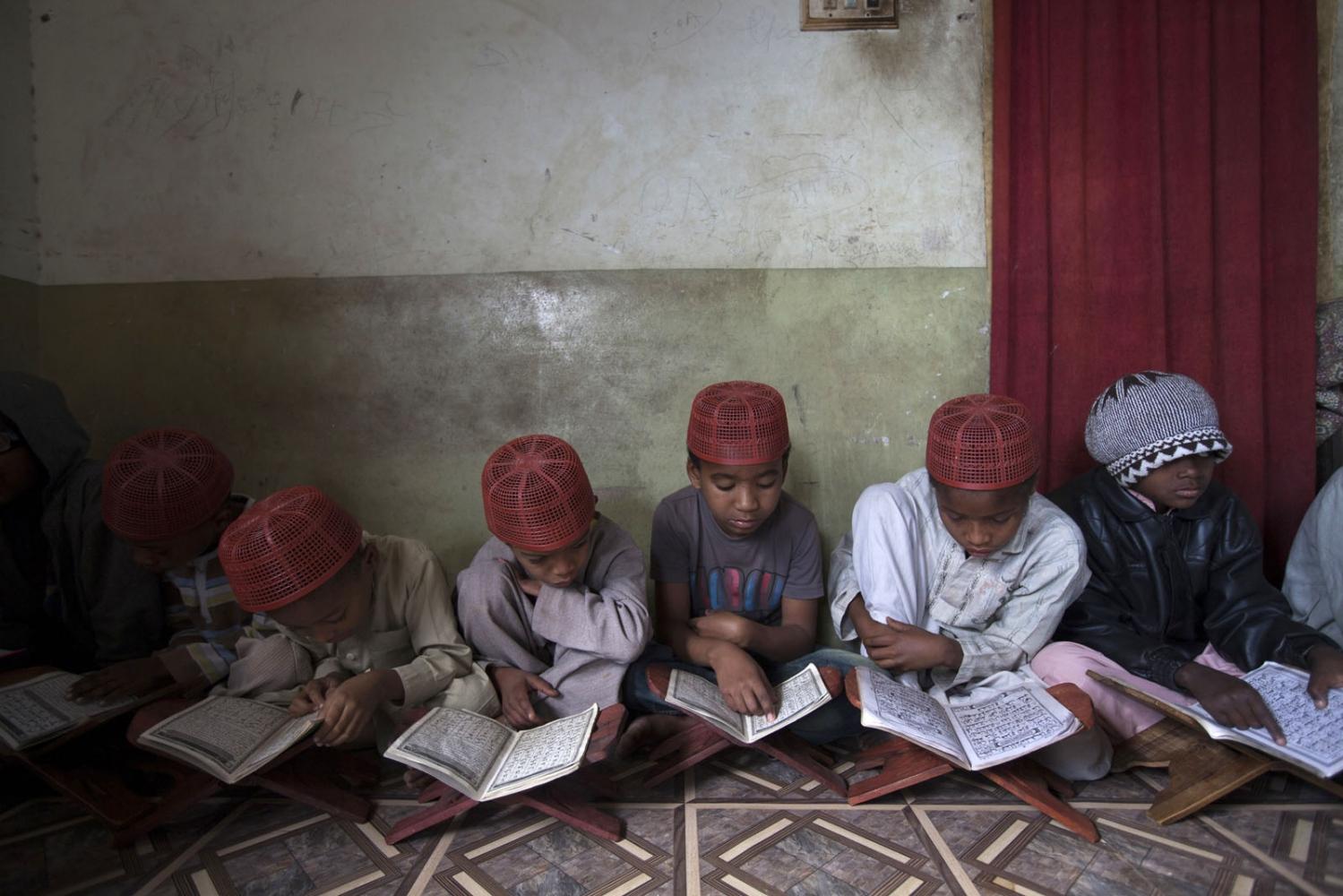 Art and Documentary Photography - Loading Sidi_SouthAsia14.JPG