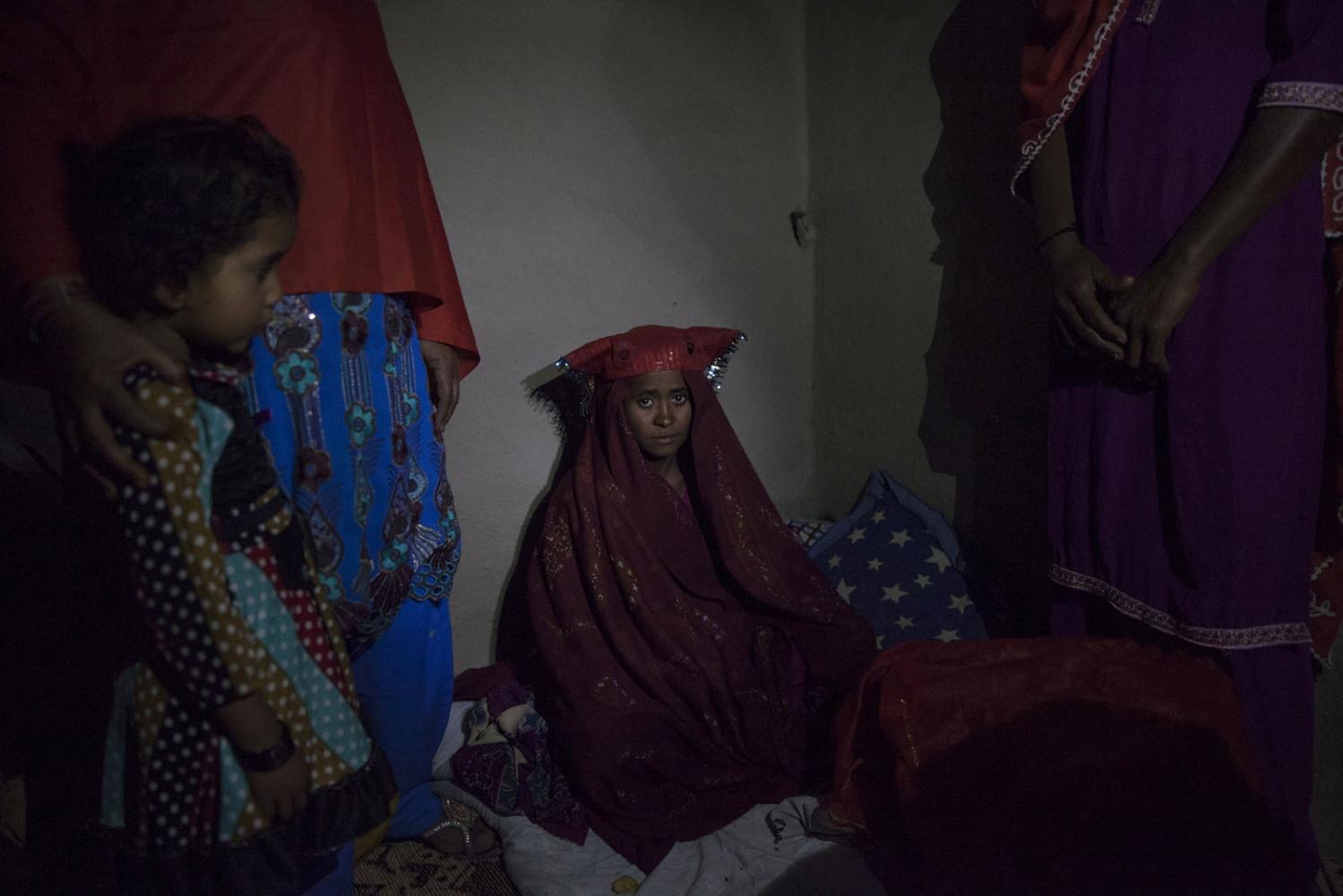 Art and Documentary Photography - Loading Sidi_SouthAsia28.JPG