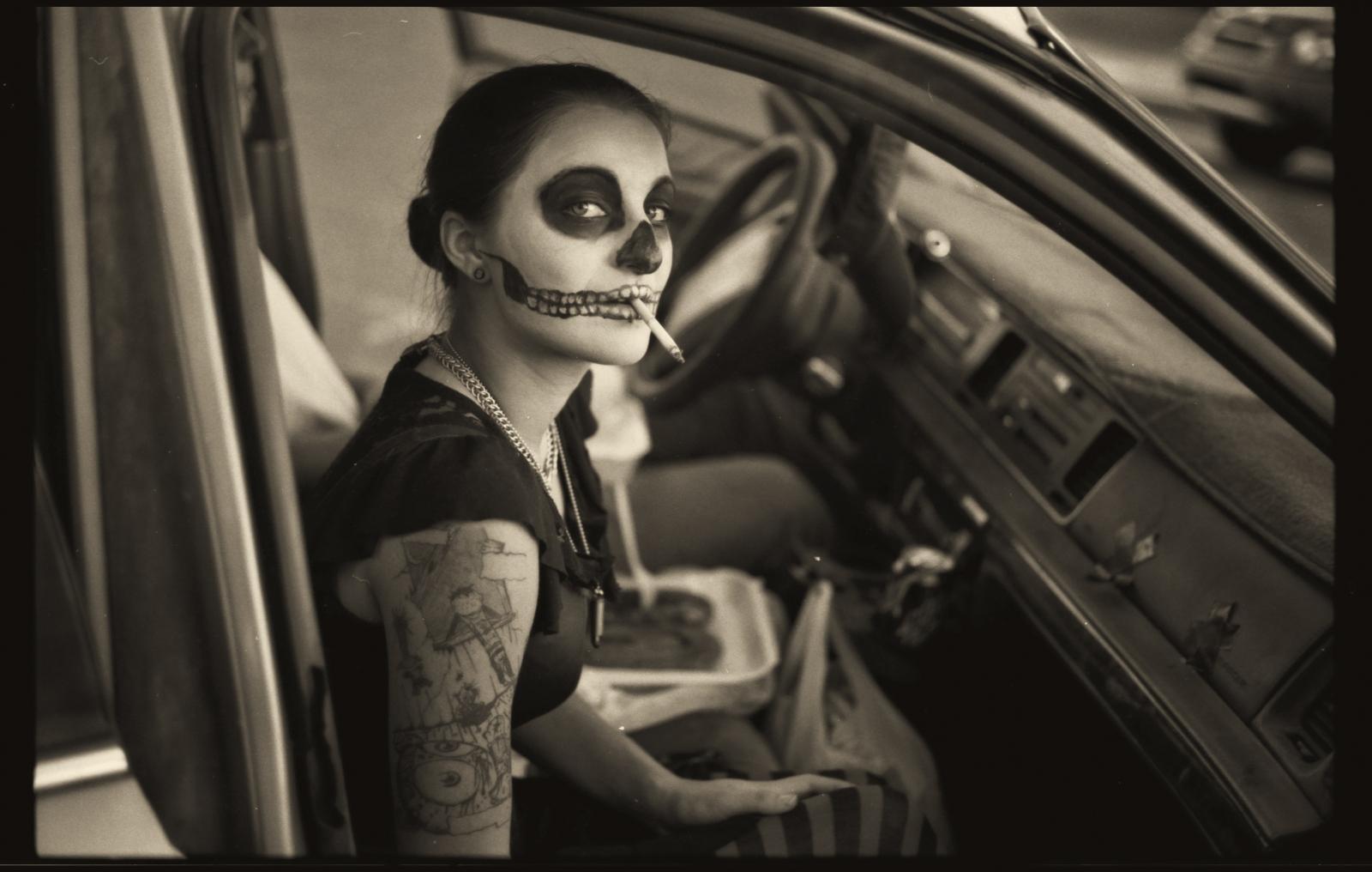 Art and Documentary Photography - Loading Dia_MUERTOS_CAR_TUS_10.1PLT.jpg