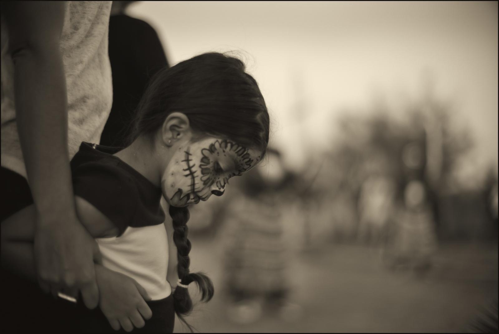 Art and Documentary Photography - Loading Dia_de.los_Muertos_TX_Concordia.girl.v2PLT.jpg