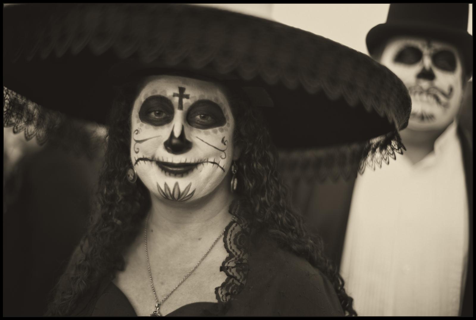 Art and Documentary Photography - Loading DIa.de.los.Muertos.TUS_HATS.v2PLT.jpg
