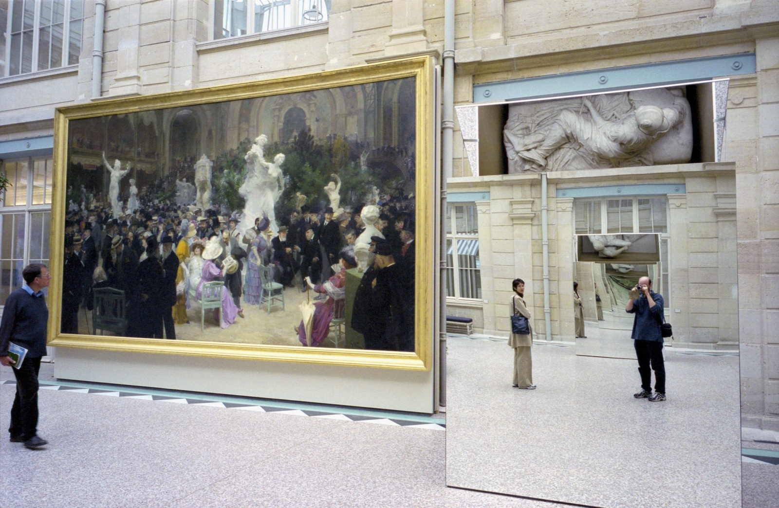 Art and Documentary Photography - Loading AttheRouenArtMusuem_mirror_copy_2.jpg