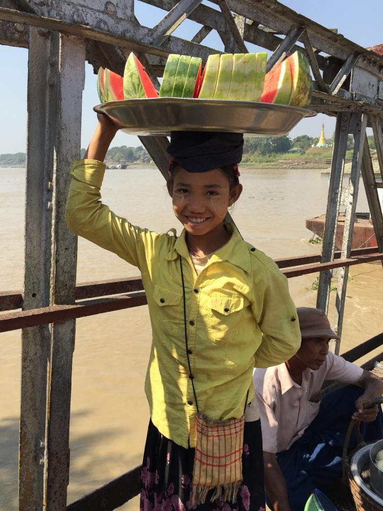 Art and Documentary Photography - Loading 20150205_Burma_2015_0020.jpg