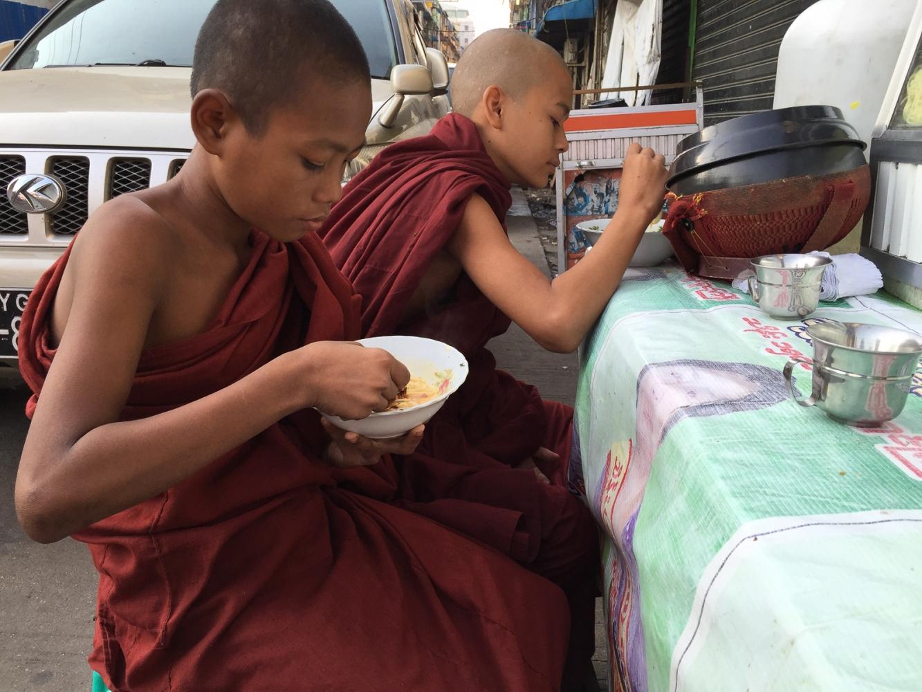Art and Documentary Photography - Loading 20150205_Burma_2015_0009.jpg
