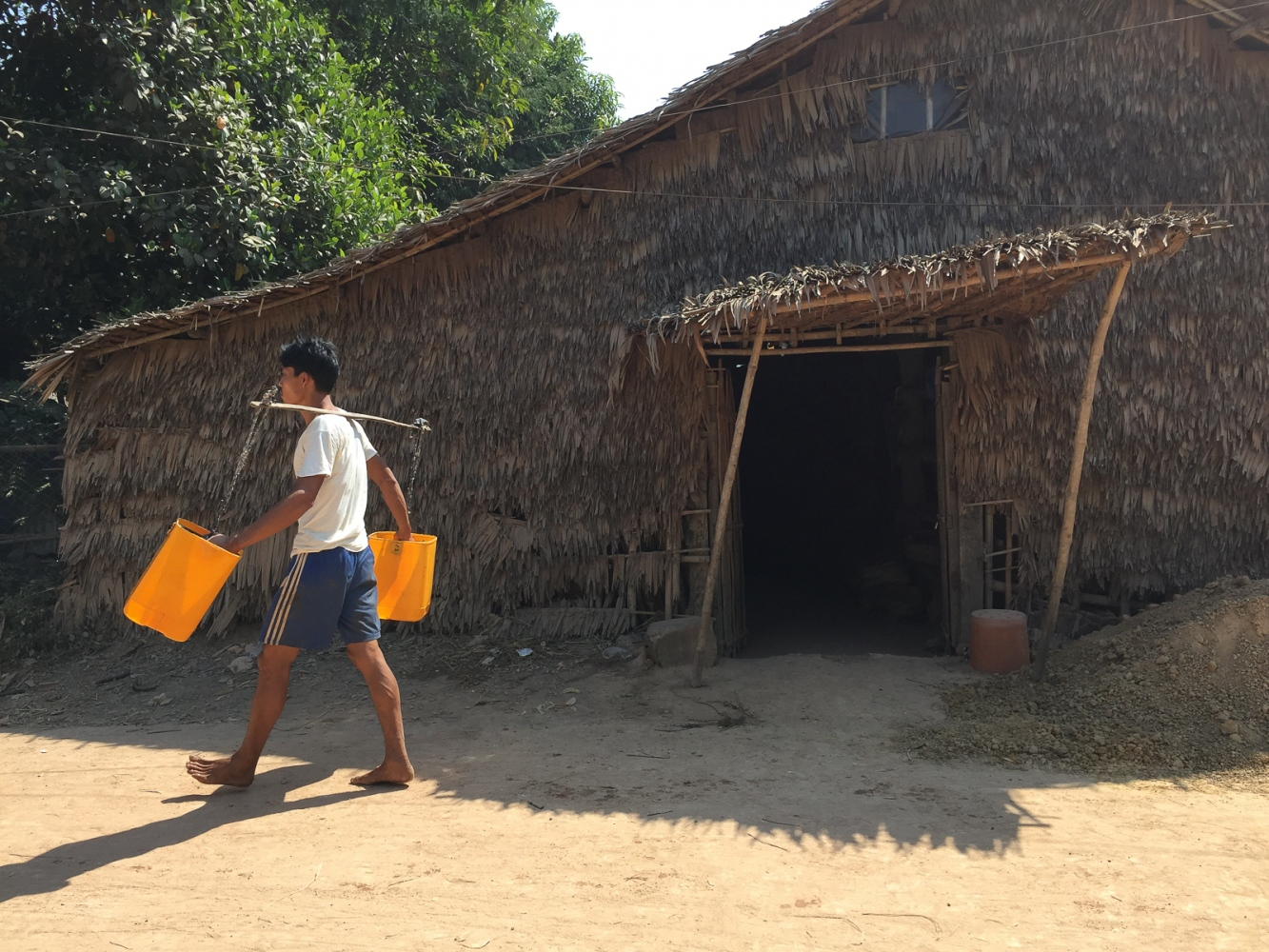 Art and Documentary Photography - Loading 20150205_Burma_2015_0019.jpg