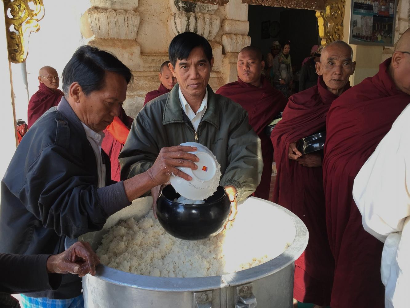 Art and Documentary Photography - Loading 20150208_Burma_2015_0056.jpg