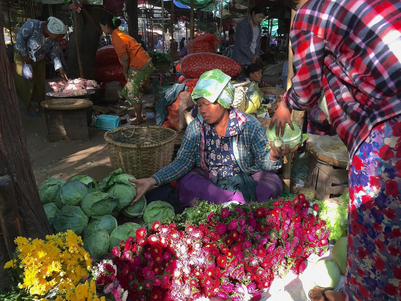 Art and Documentary Photography - Loading 20150209_Burma_2015_0077.jpg