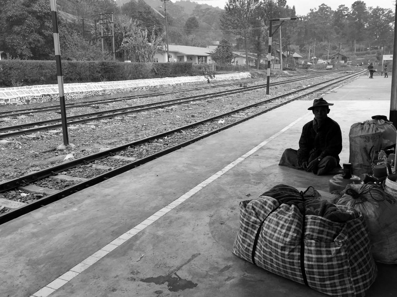 Art and Documentary Photography - Loading 20150210_Burma_2015_0106.jpg