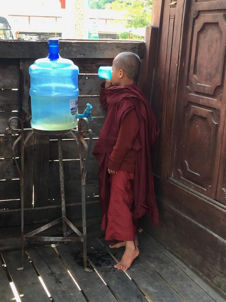 Art and Documentary Photography - Loading 20150212_Burma_2015_0144.jpg