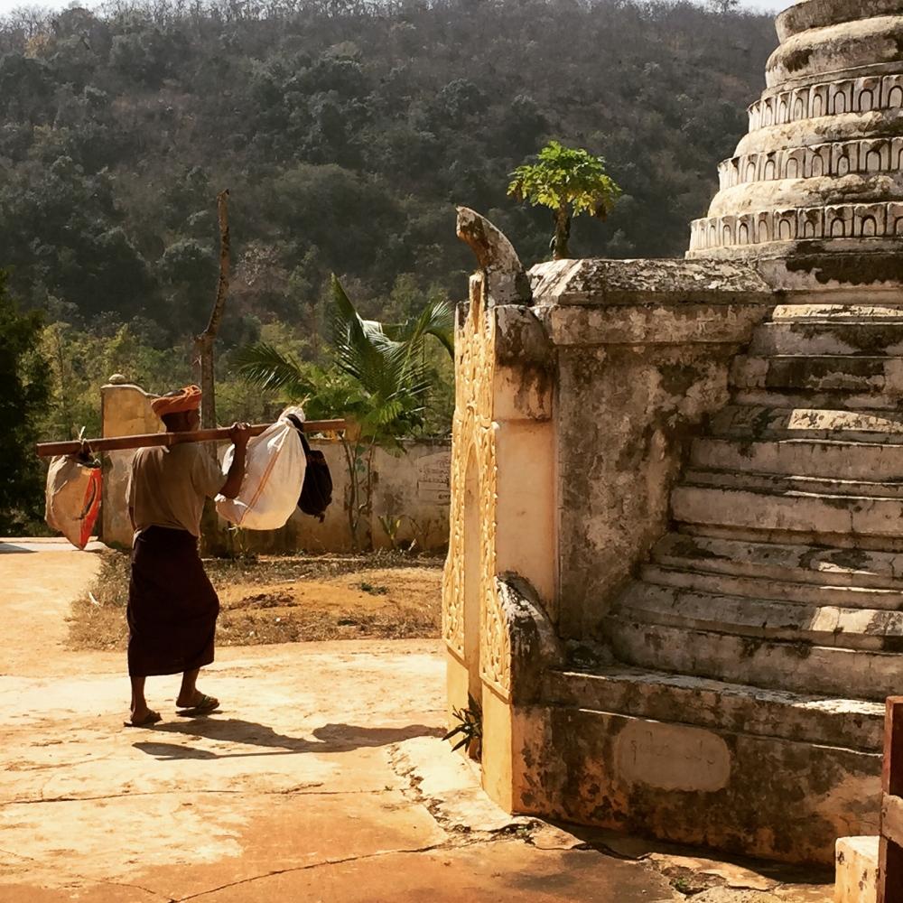 Art and Documentary Photography - Loading 20150215_Burma_2015_0220.jpg
