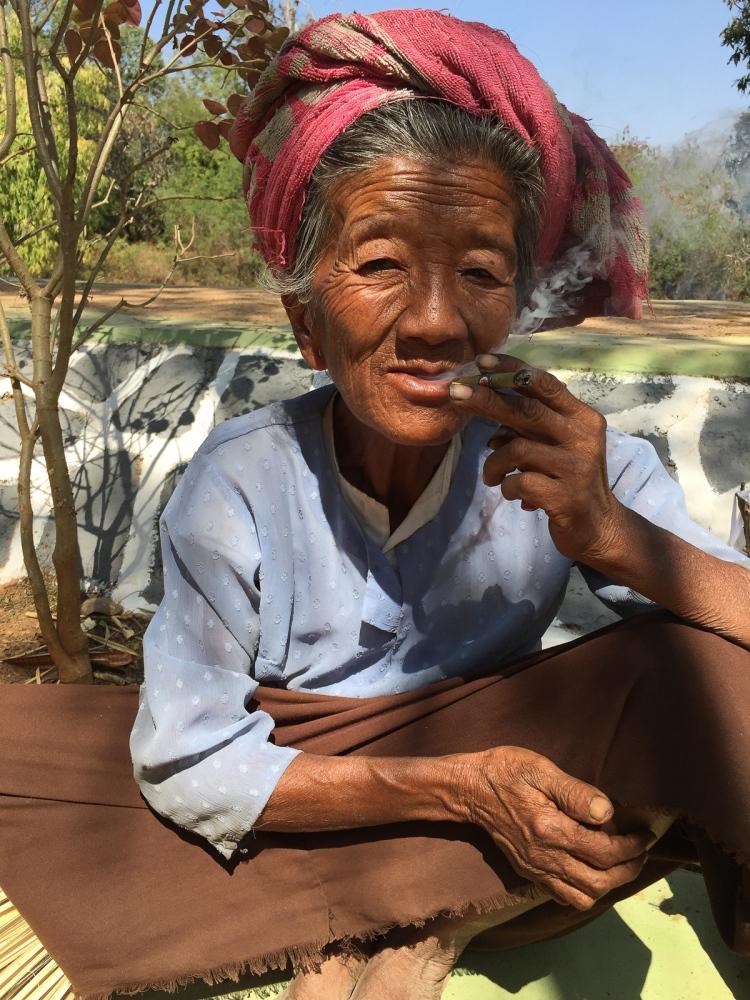Art and Documentary Photography - Loading 20150213_Burma_2015_0169.jpg