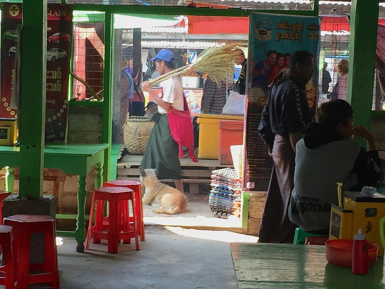 Art and Documentary Photography - Loading 20150214_Burma_2015_0194.jpg