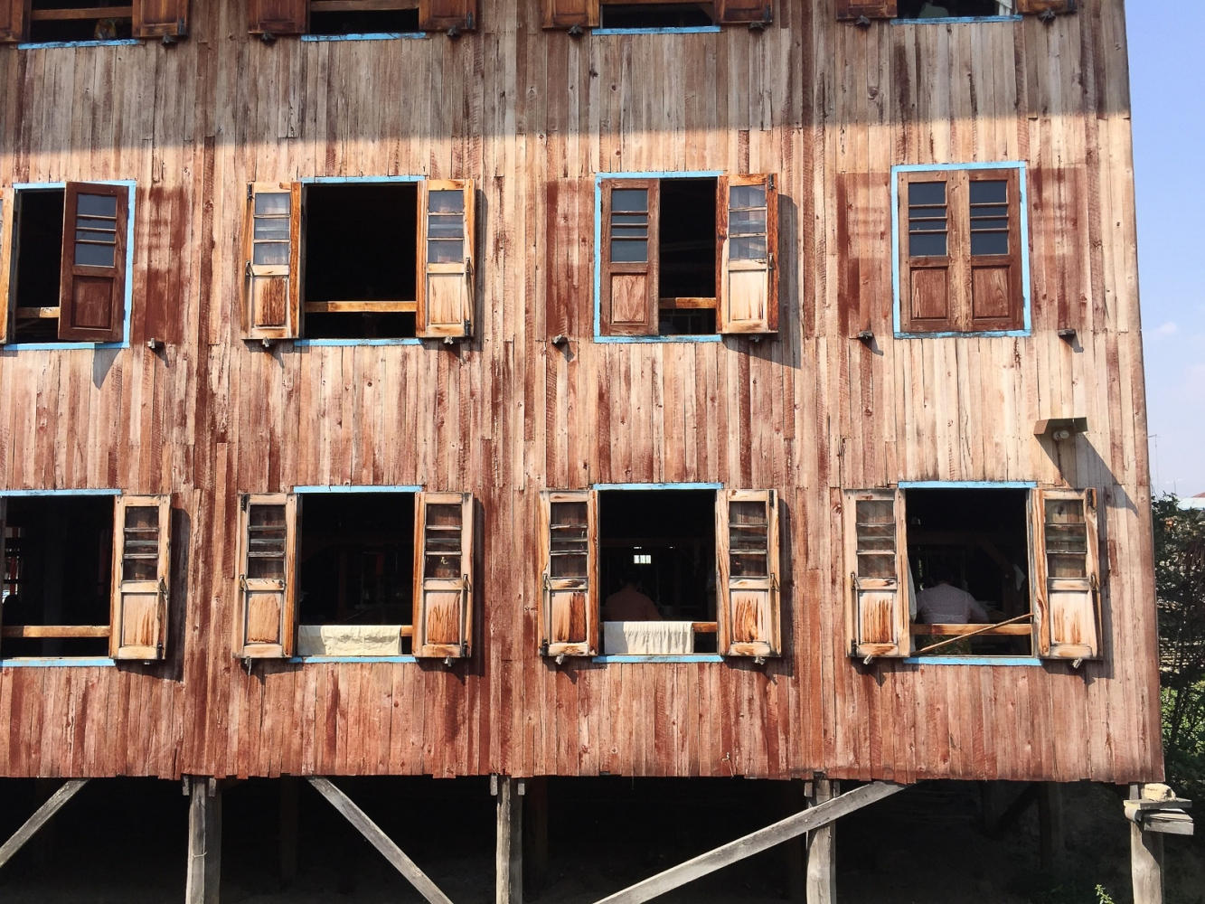 Art and Documentary Photography - Loading 20150214_Burma_2015_0206.jpg