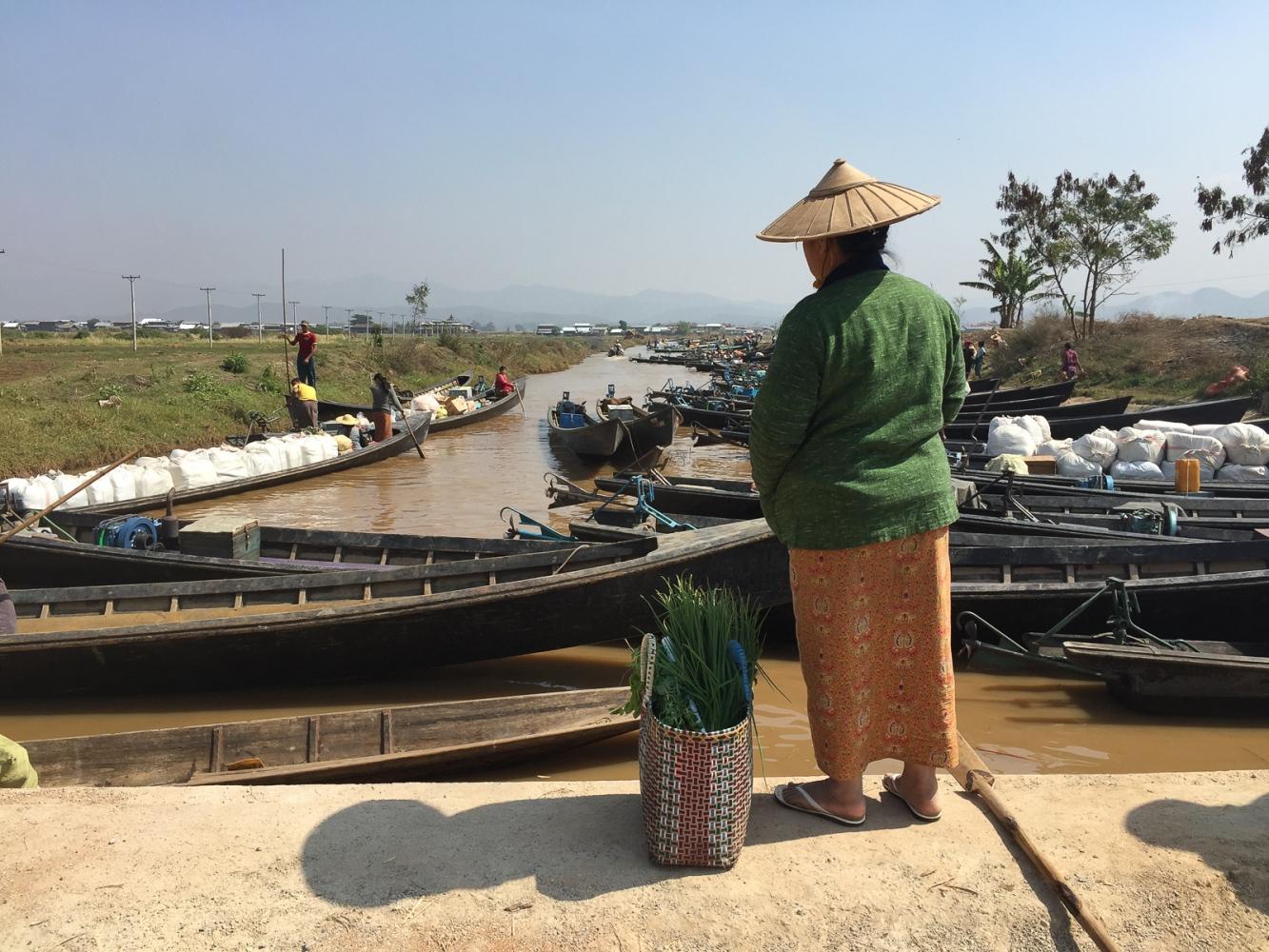 Art and Documentary Photography - Loading 20150215_Burma_2015_0224.jpg