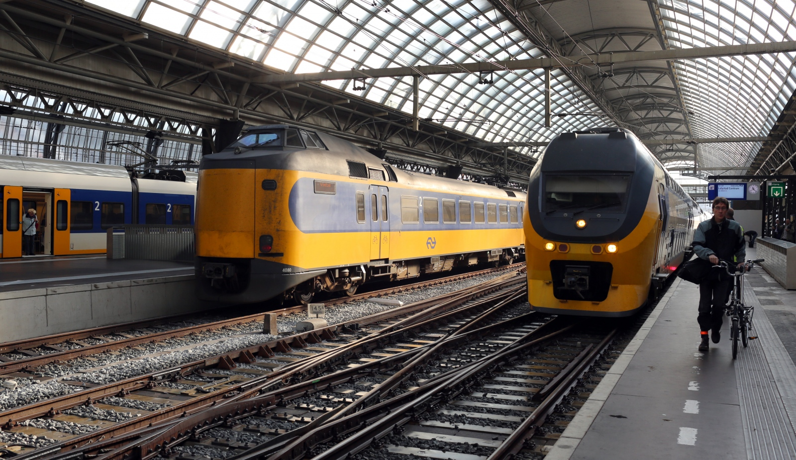 Rail transport in the Netherlands uses a dense railway network, that connects virtually all major towns and cities, counting as manytrain stationsas there aremunicipalities in the Netherlands.