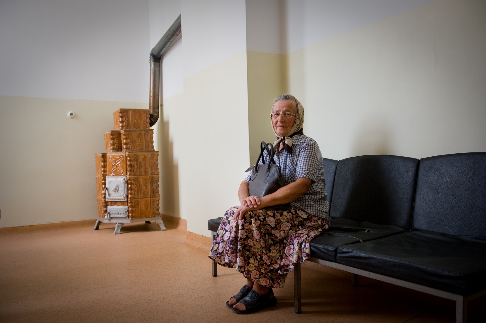 Art and Documentary Photography - Loading Waiting_room_for_doctor_Filimon_06.jpg