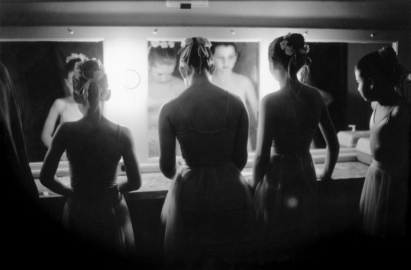 Dancers in the Mirror