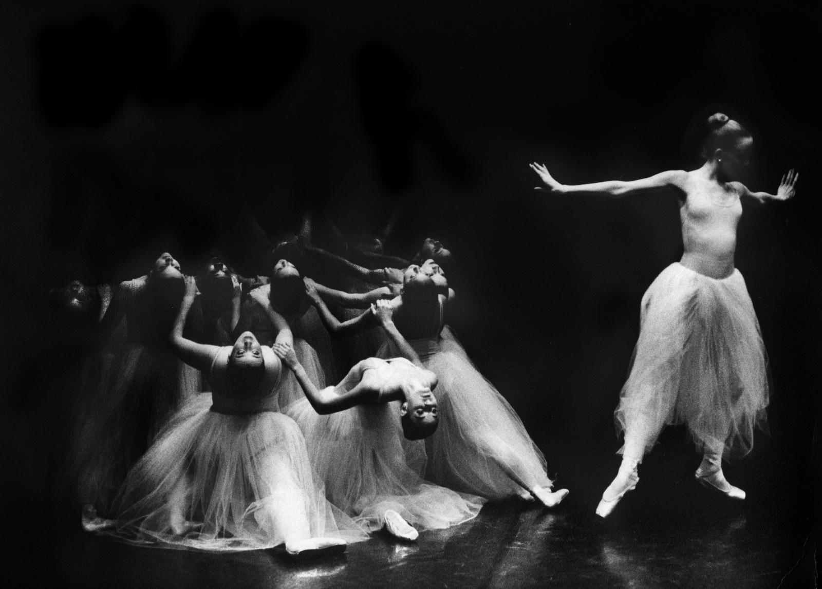 Dancers Arch, Serenade
