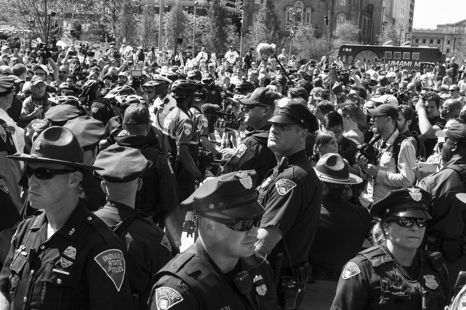 Art and Documentary Photography - Loading 9_B_police_presence_in_Cleveland_2.jpg
