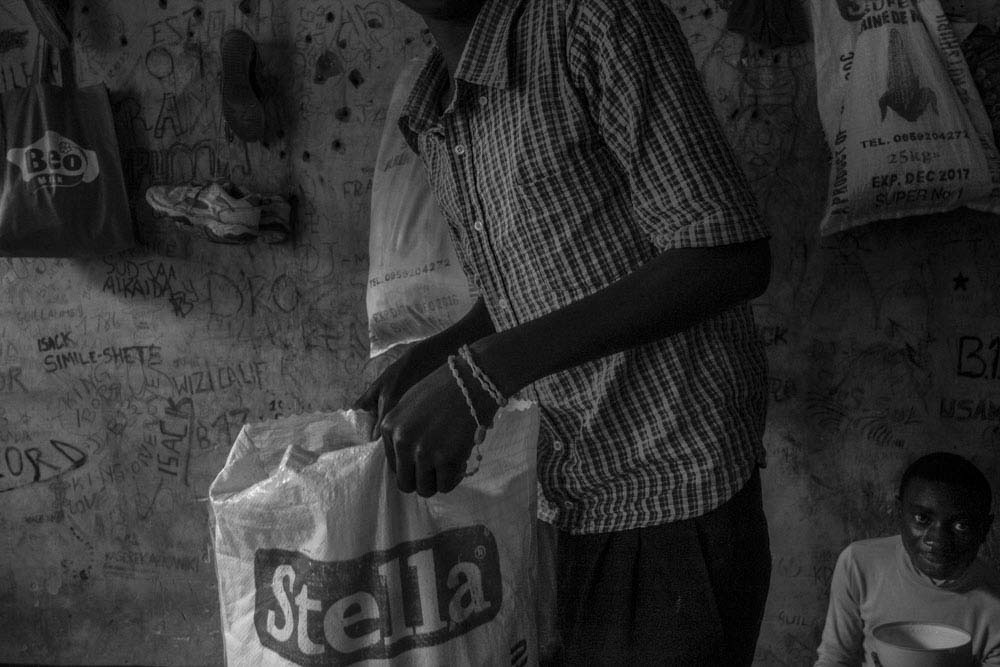 Art and Documentary Photography - Loading 17_FrancescaVolpi_GOMMA.jpg