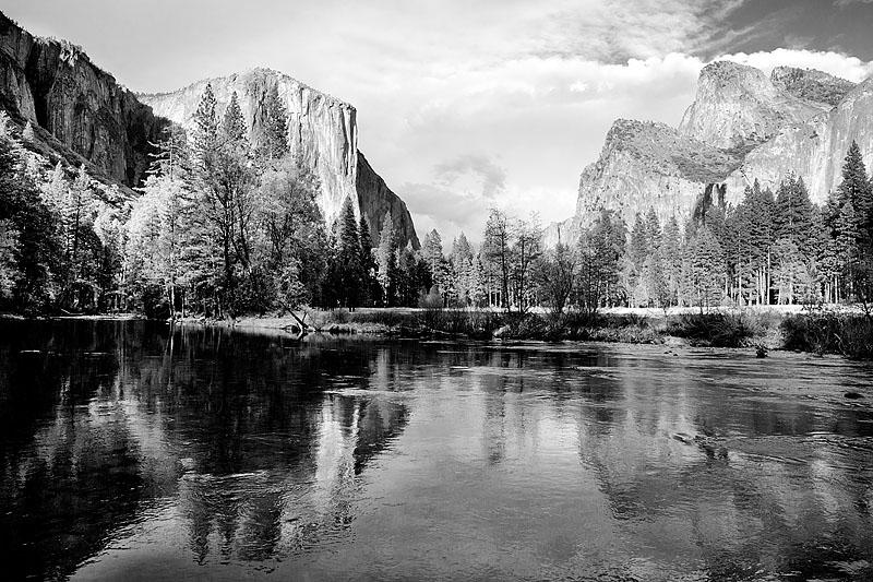 Art and Documentary Photography - Loading 150418-0053_YOSEMITE_CALIFORNIA_X.jpg