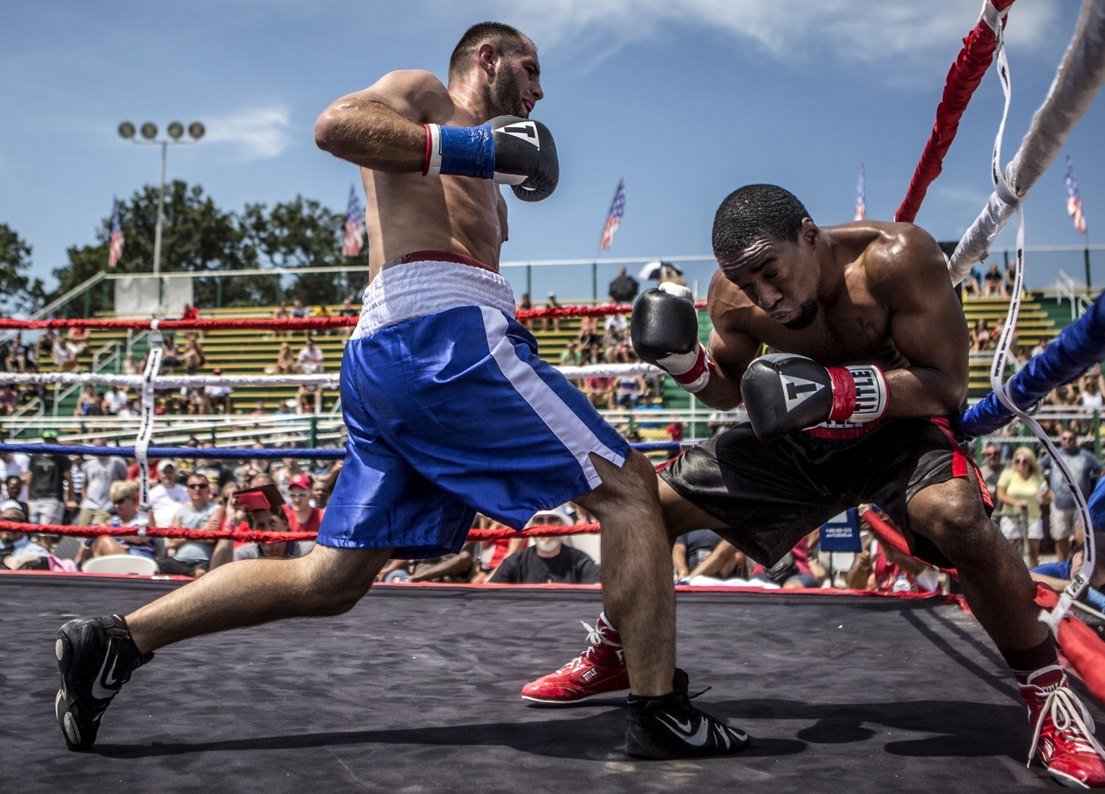 Art and Documentary Photography - Loading Boxing11.JPG