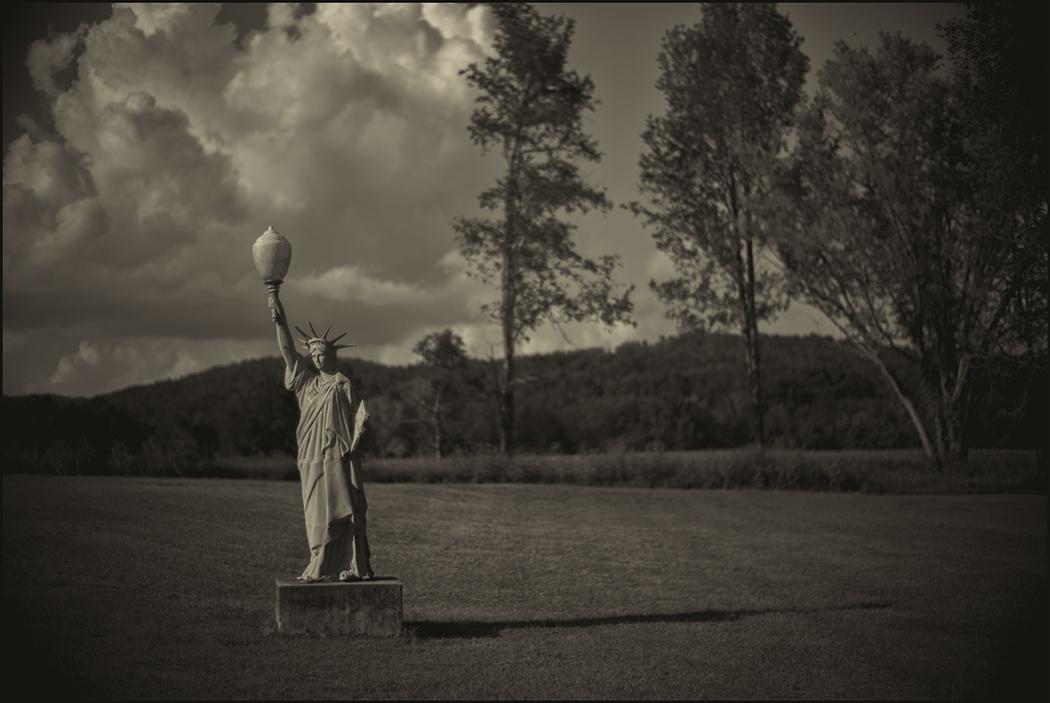 Art and Documentary Photography - Loading Tennesse_Palmal_Liberty.PLTv1.jpg