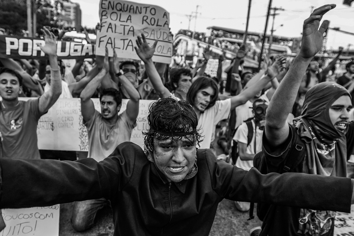 Art and Documentary Photography - Loading brazilprotest66.jpg