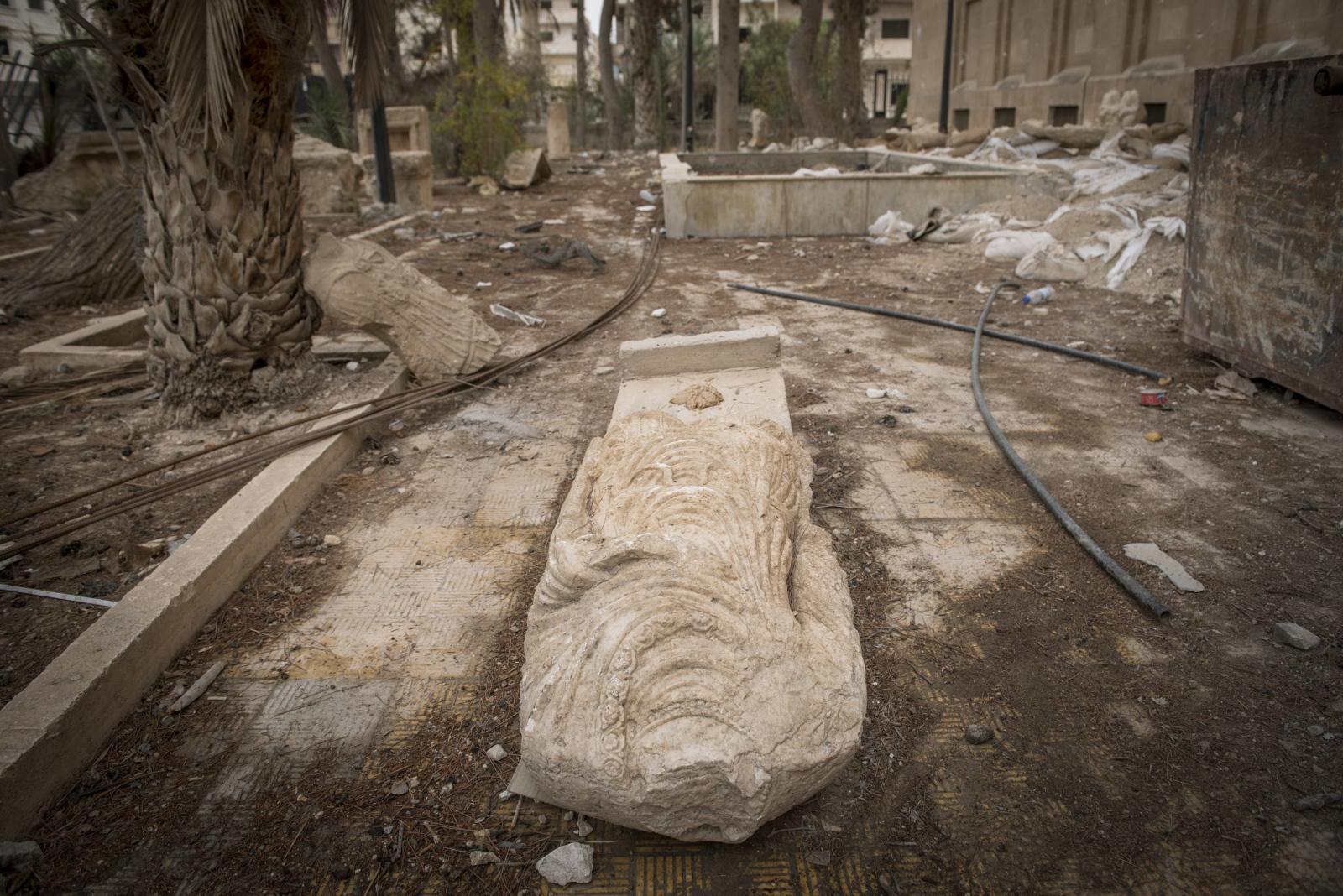 Art and Documentary Photography - Loading Cio___che_resta_di_Palmyra_16.jpg