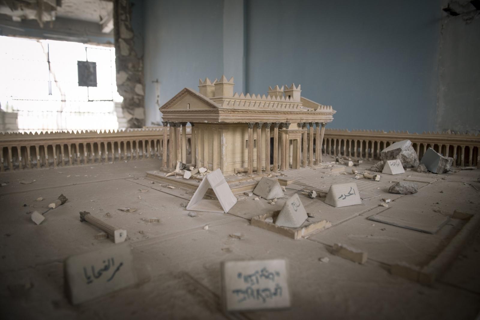 Art and Documentary Photography - Loading Cio___che_resta_di_Palmyra_22.jpg