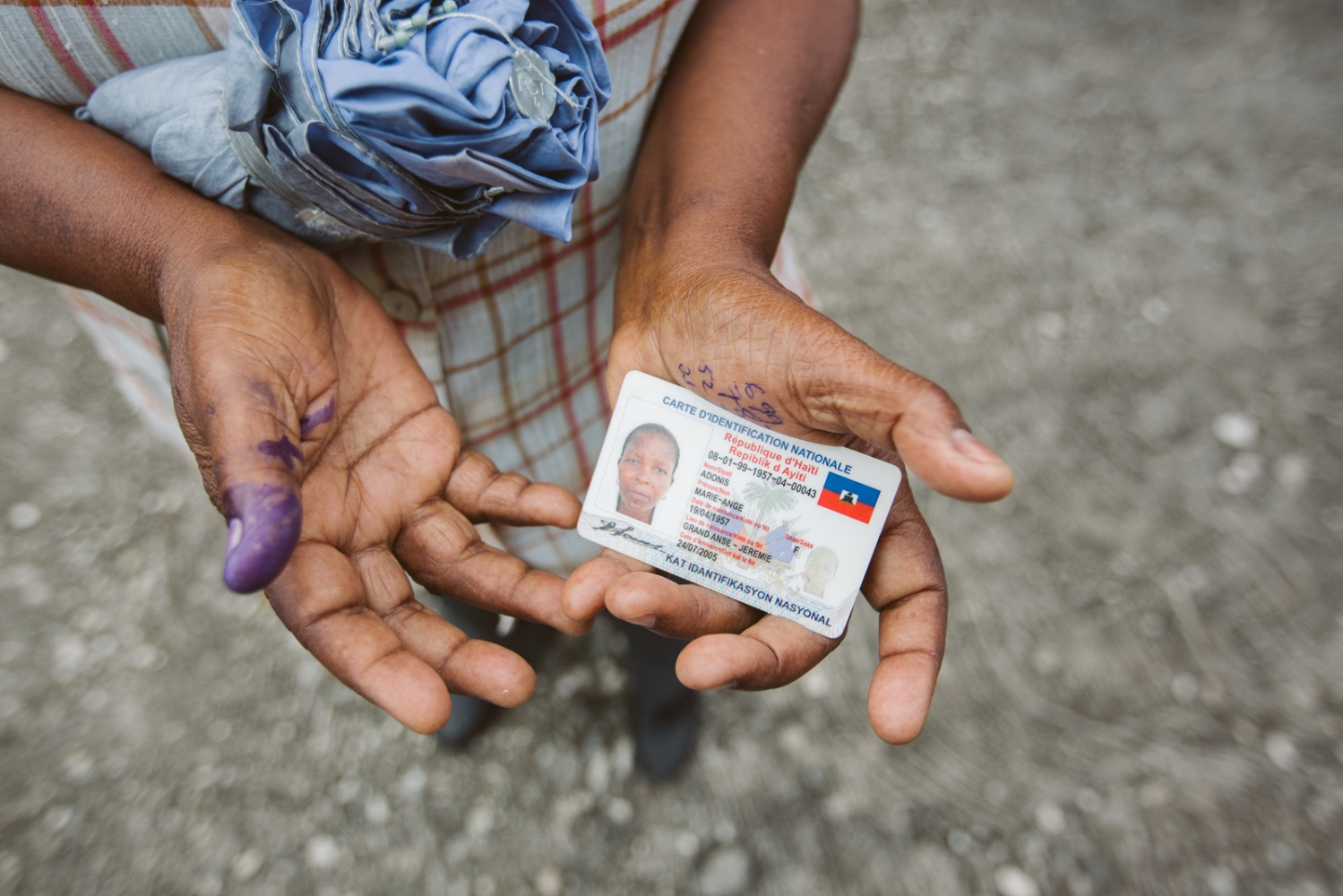 Art and Documentary Photography - Loading selection_elections_jeremie_et_bonbon-4.jpg