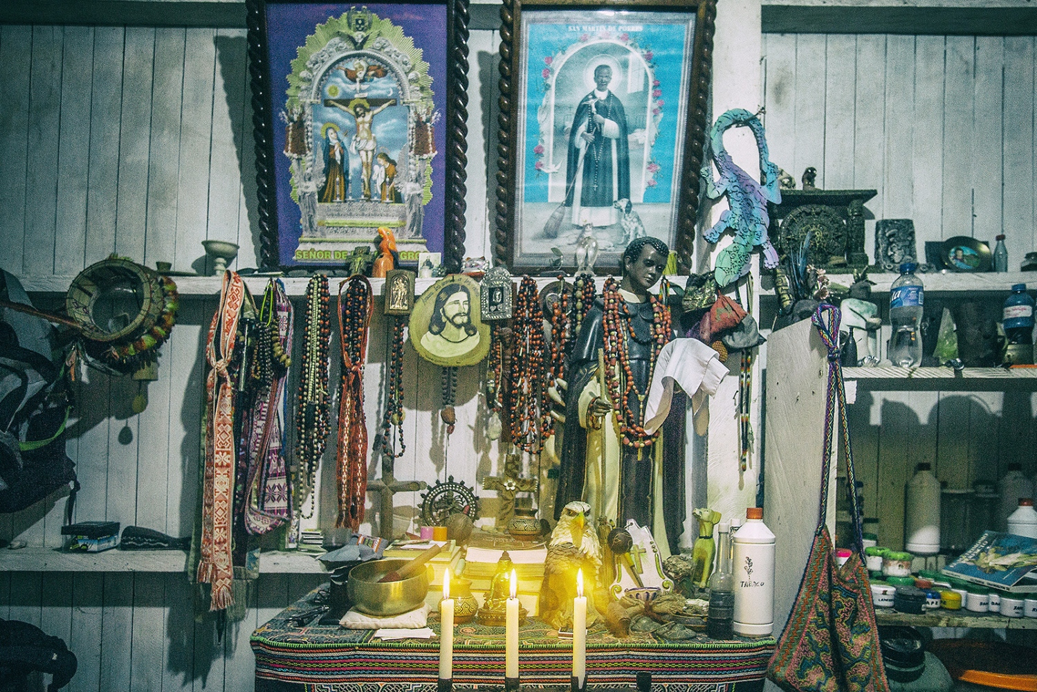 The shaman room. They are devoted to Saints from different traditions