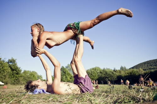 During Rainbow gathering are organized several classes of any type, everyone have to share is own experiences and skills. Acro yoga class