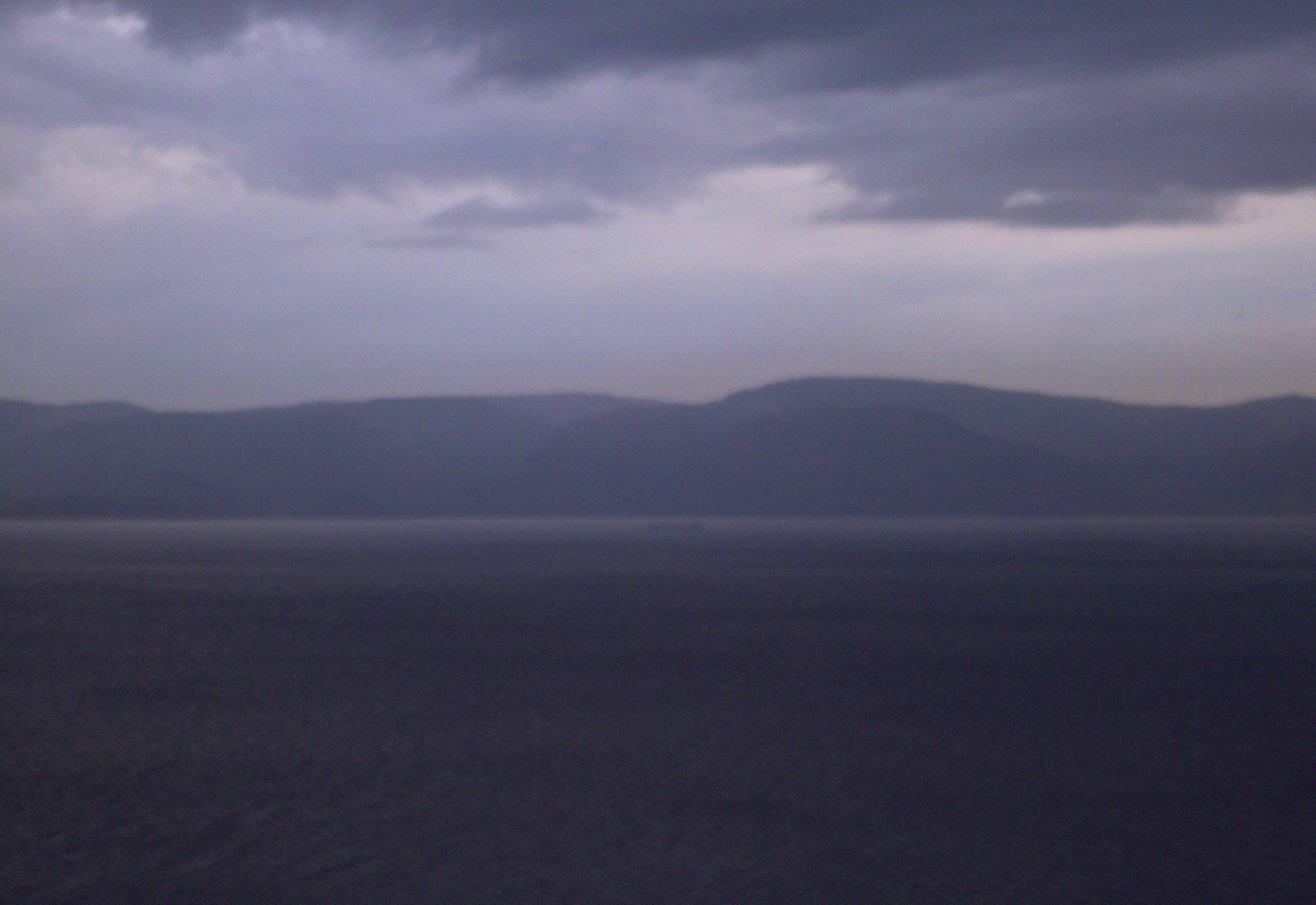 A seascape out of focus