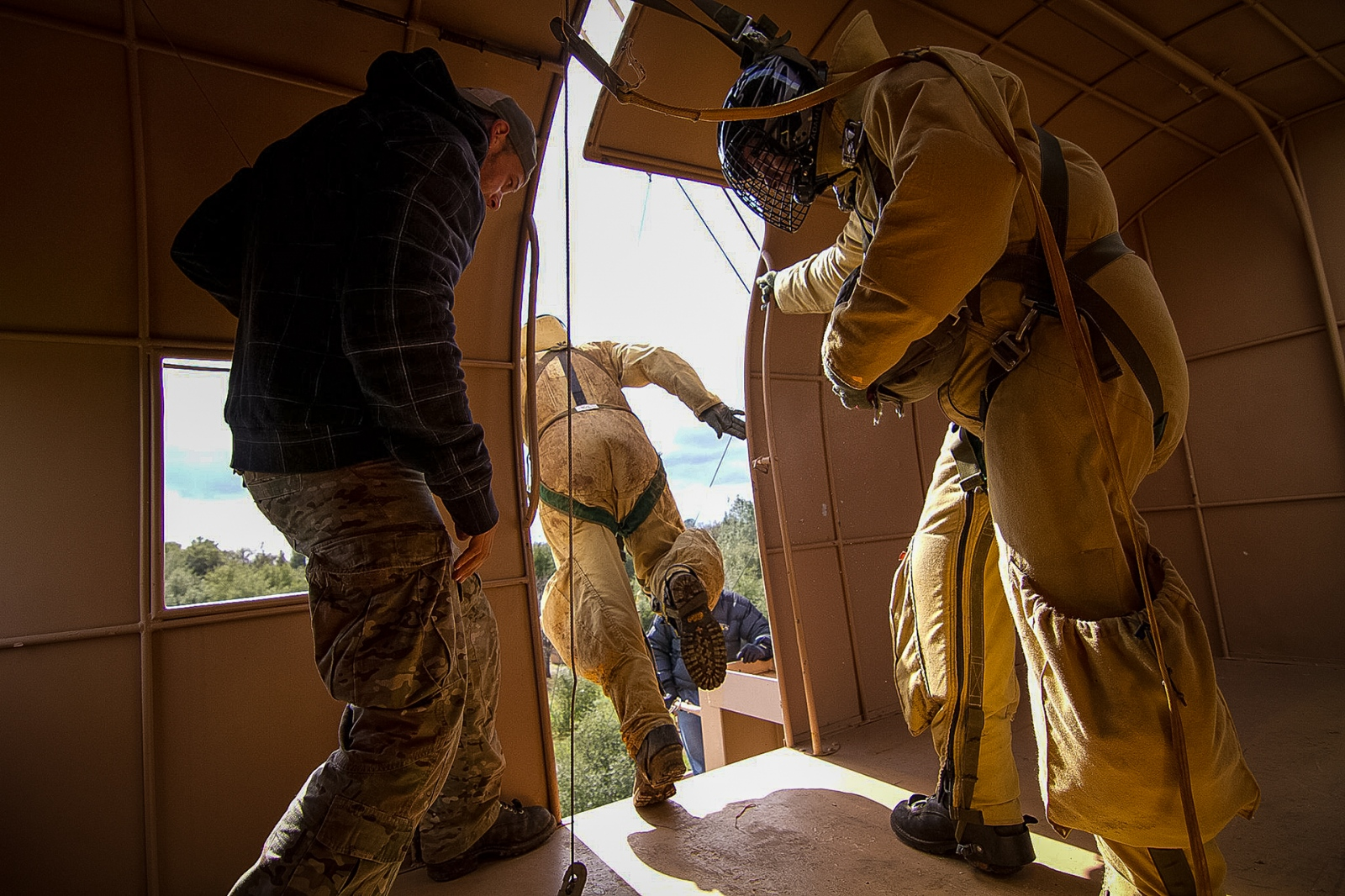 Art and Documentary Photography - Loading USFS_CR_SmokeJumper_Trng2_2011.jpg