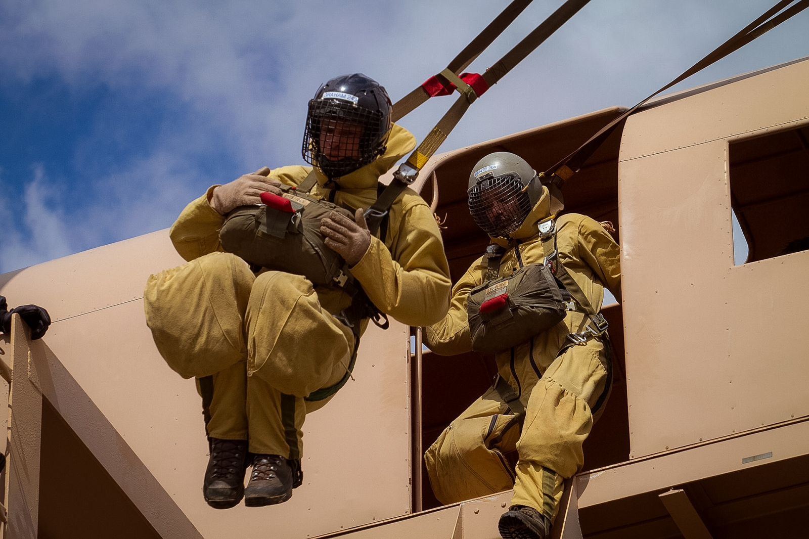 Art and Documentary Photography - Loading USFS_CR_SmokeJumper_Trng4_2011.jpg