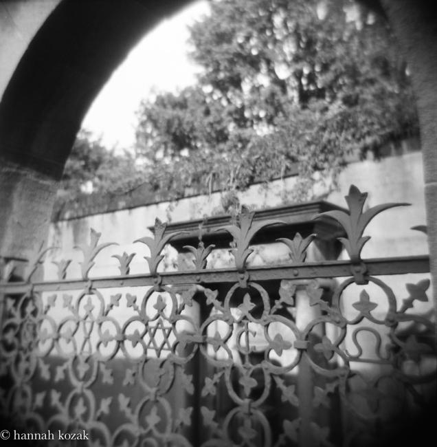 Photography image - Loading Hannah_Kozak_Weissensee_Cemetary-Oct_2016jpg.jpg