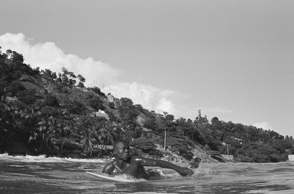Photography image - Loading Haiti_Surf_May_2016_-_MPMAGERS-015_-_Samuel_paddling_out.jpg