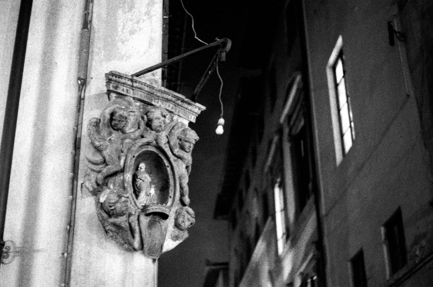 Art and Documentary Photography - Loading angles_lightbulb.jpg