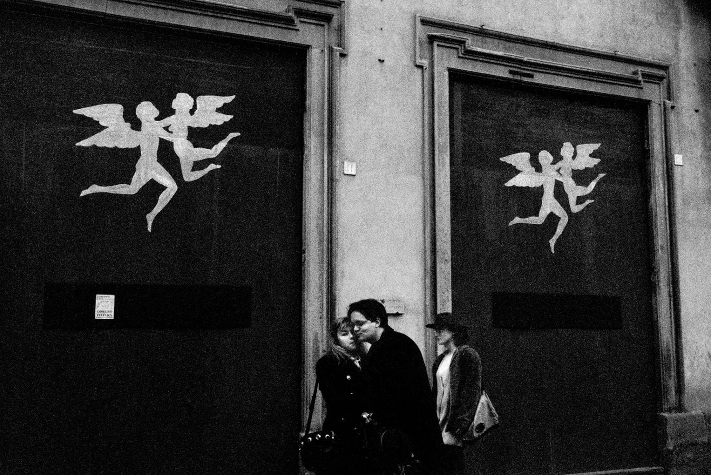 Art and Documentary Photography - Loading angles_kiss.jpg