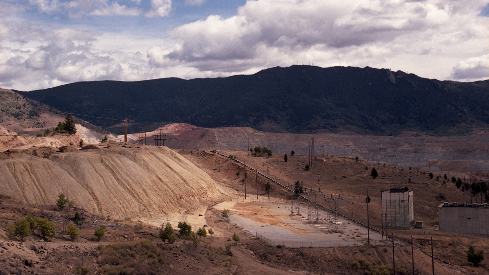 Art and Documentary Photography - Loading butte1058.jpg