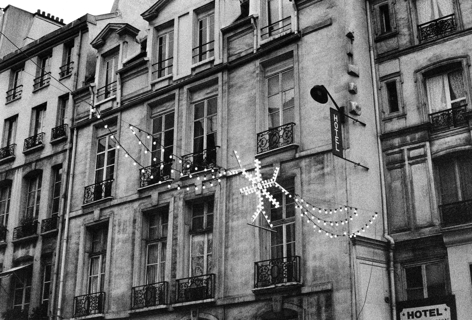 Art and Documentary Photography - Loading xmaslights.jpg