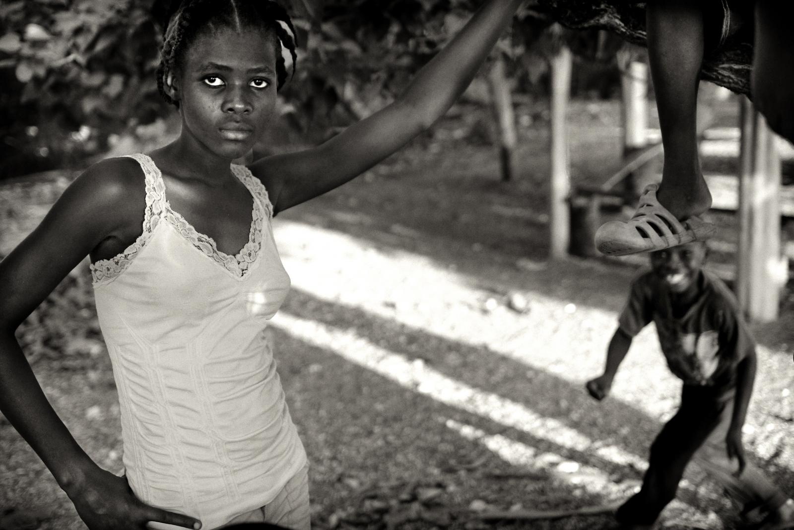 Art and Documentary Photography - Loading P1040035marie_s.jpg
