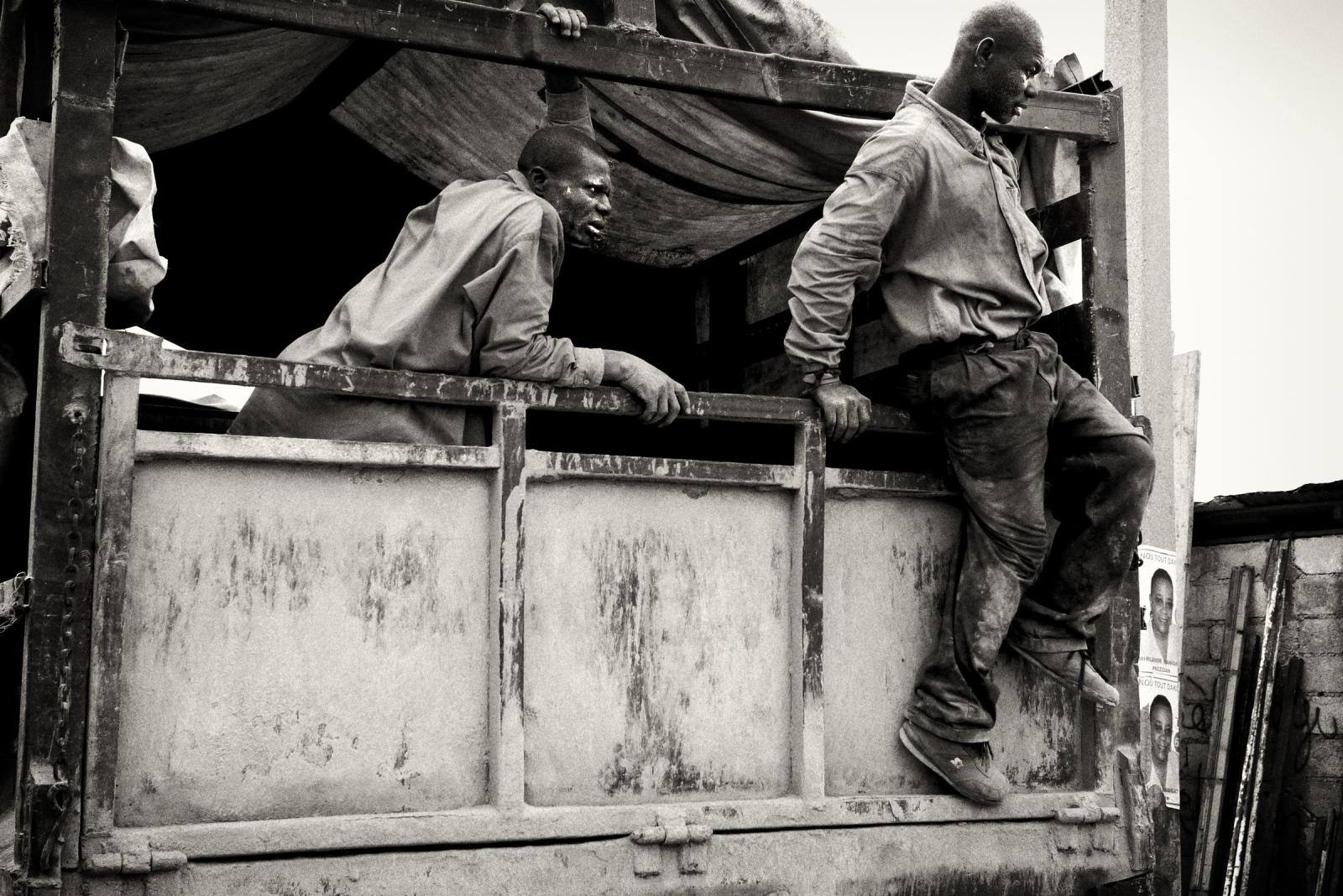 Art and Documentary Photography - Loading P1050122.jpg