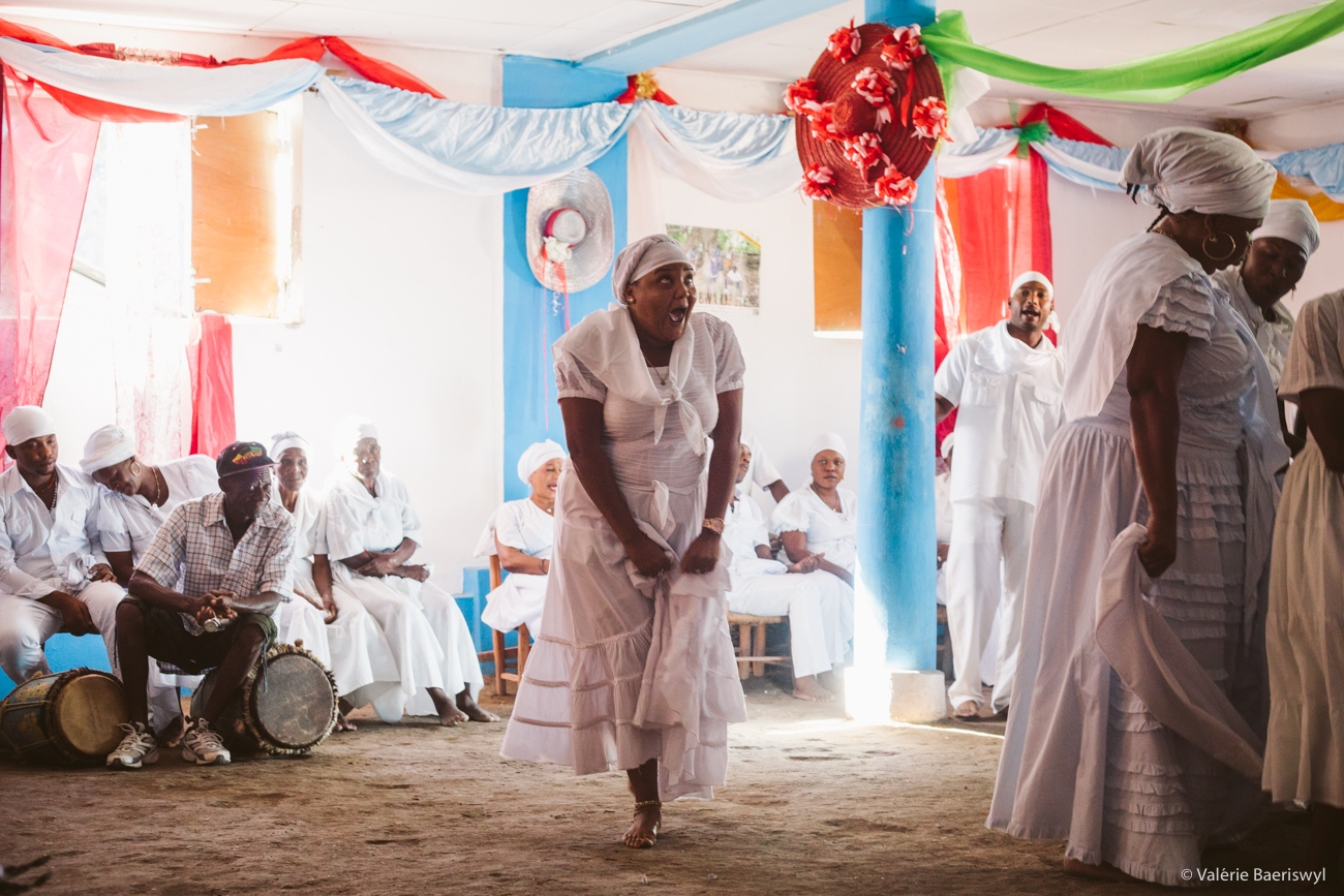 Art and Documentary Photography - Loading fete_des_rois_-_lakou_SOUKRI_et_lakou_BADJO_-_5_et_6_janvier_2017_-vbaeriswyl-14.jpg