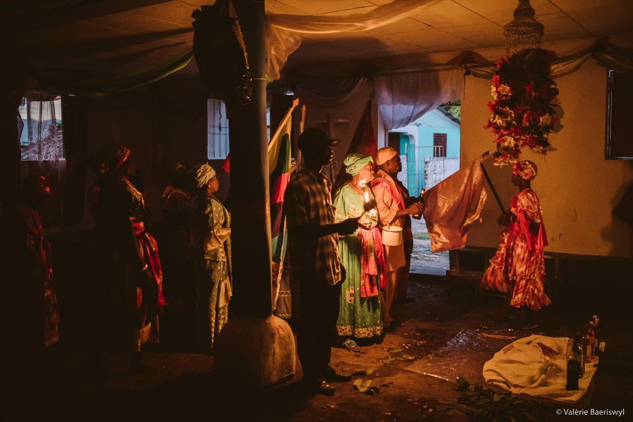 Art and Documentary Photography - Loading fete_des_rois_-_lakou_SOUKRI_et_lakou_BADJO_-_5_et_6_janvier_2017_-vbaeriswyl-38.jpg