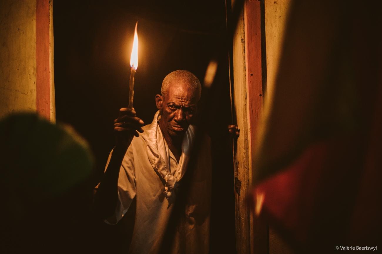 Art and Documentary Photography - Loading fete_des_rois_-_lakou_SOUKRI_et_lakou_BADJO_-_5_et_6_janvier_2017_-vbaeriswyl-43.jpg