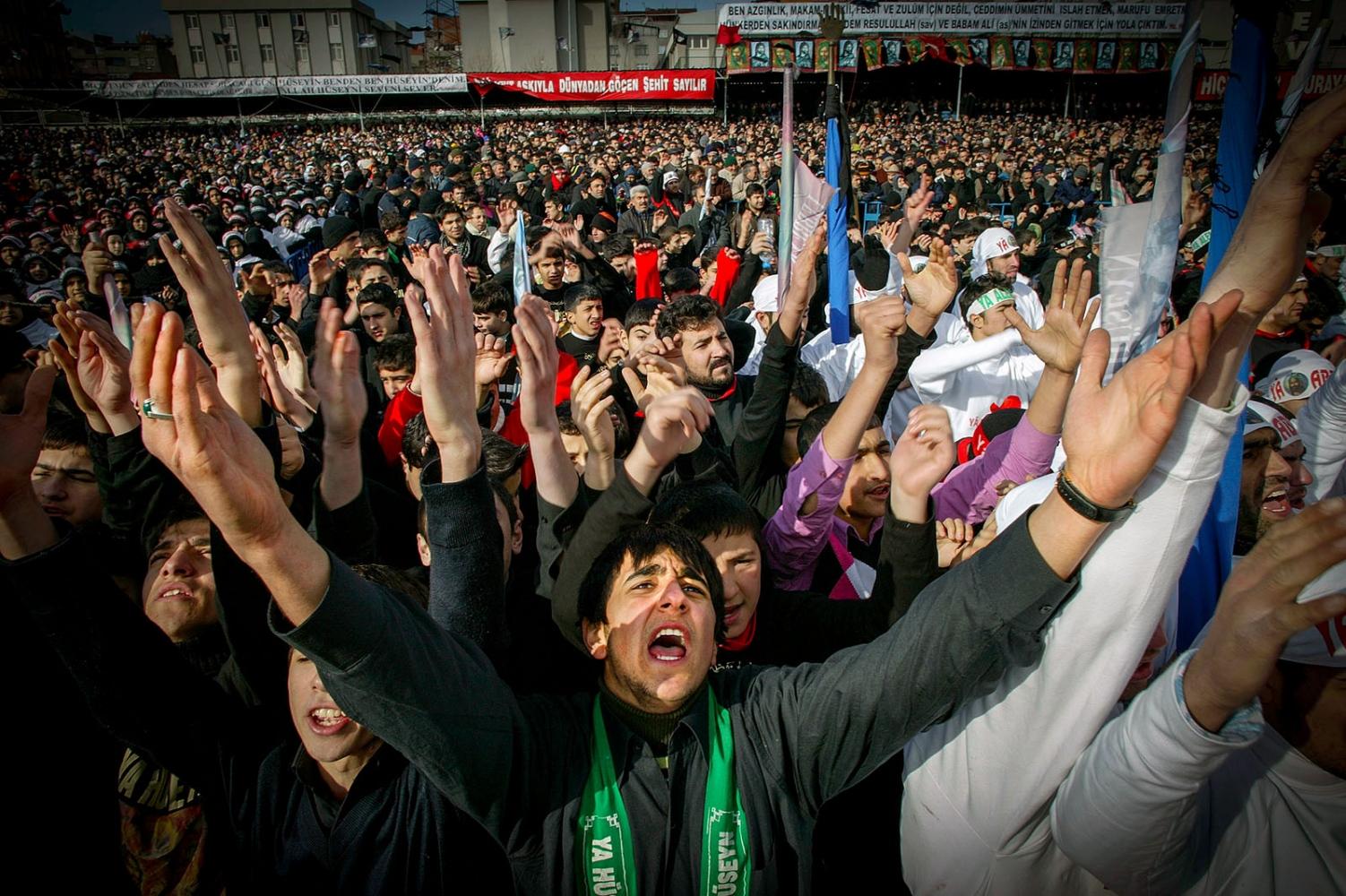 Shia Muslims mark Ashura in Istanbul