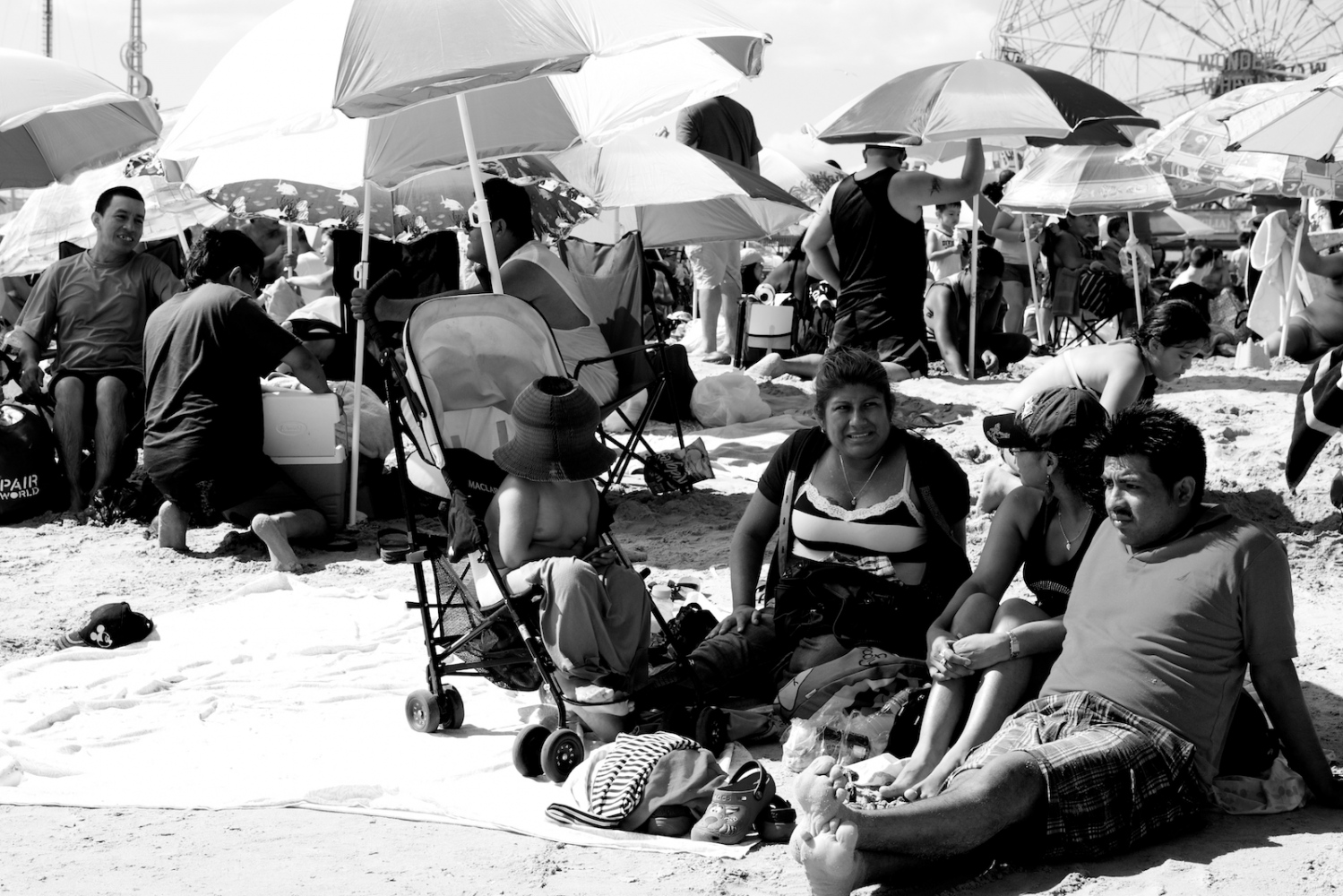Art and Documentary Photography - Loading lyne_coney_island_revisited4.jpg