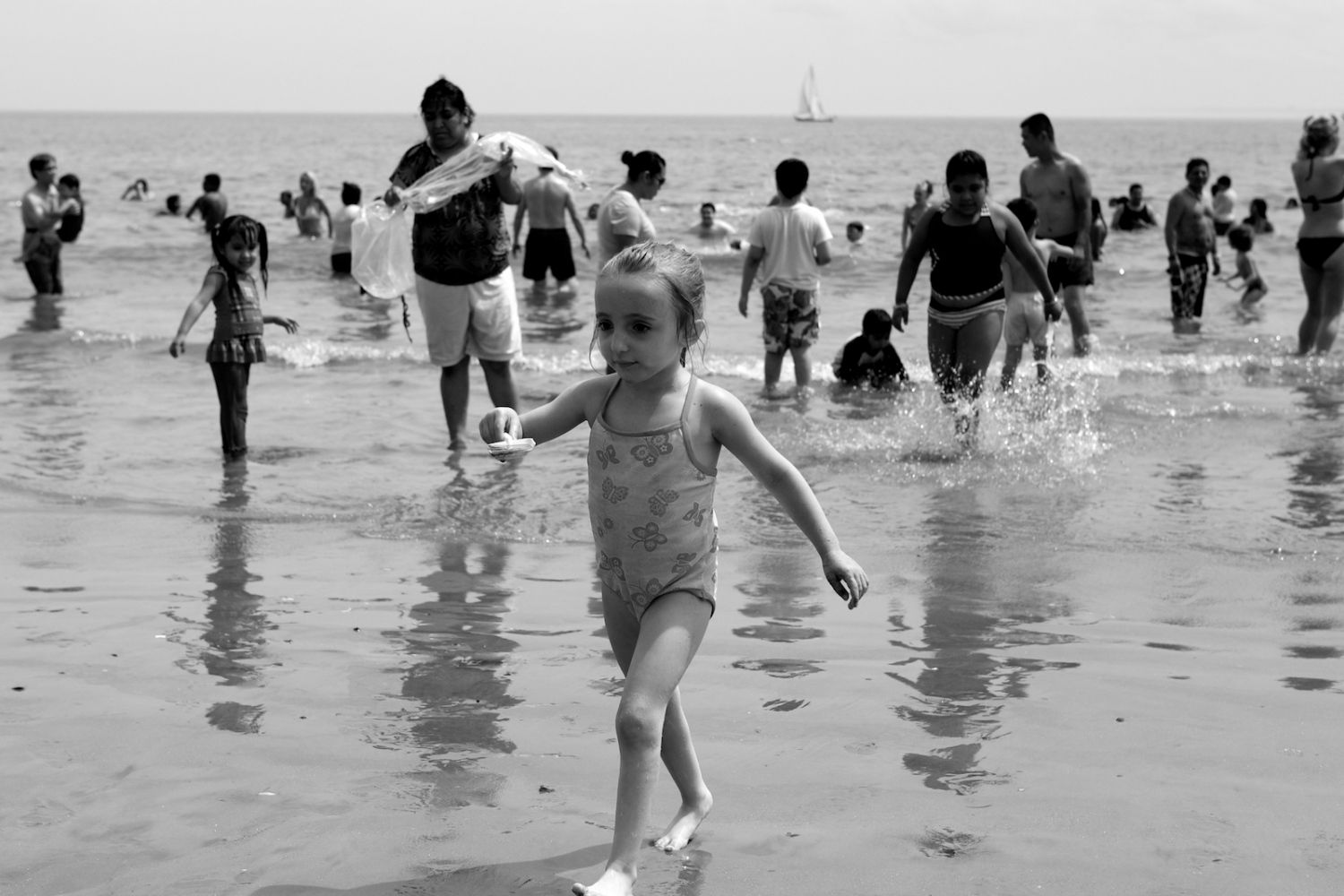 Art and Documentary Photography - Loading lyne_coney_island_revisited12.jpg